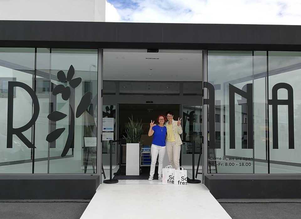 Claudia und Clara beim RINGANA-Frischewerk in Hartberg