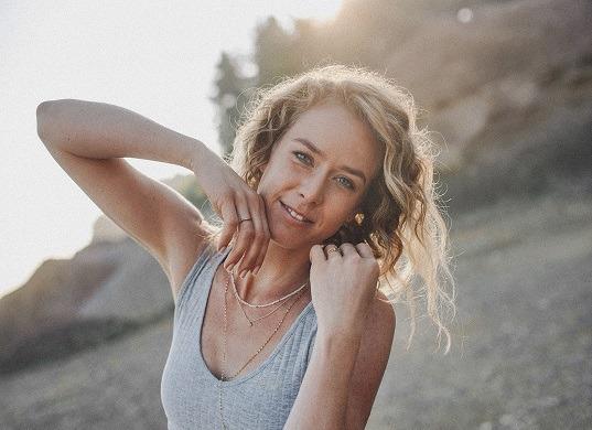 Hautexpertin Tina Englhart